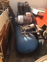 Compressore 200 litri - Lotto 12 (Asta 4692)