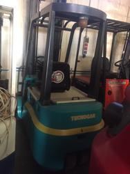 3 wheel Tecnocar forklift - Lot 5 (Auction 4692)