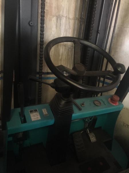 Immagine n. 3 - 6#4692 Carrello elevatore Tecnocar 4 ruote