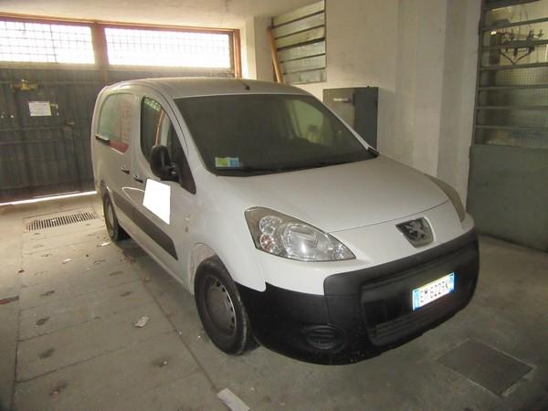 1#4696 Autocarro Peugeot Partner