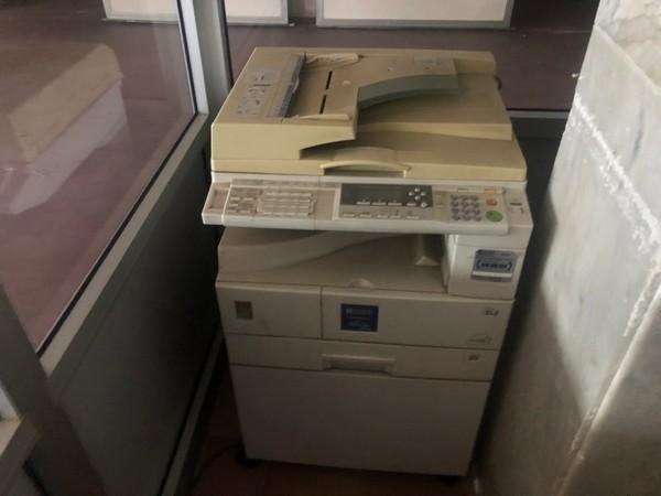 1#4719 Arredi ufficio e materiale di magazzino