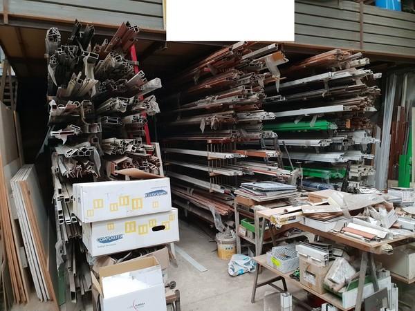 7#4744 Scaffali e semi lavorati metallici