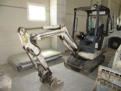 Bobcat 320 mini excavator - Lot 17 (Auction 4752)