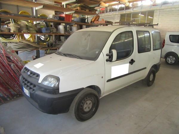 5#4752 Autocarro Fiat Doblò Cargo