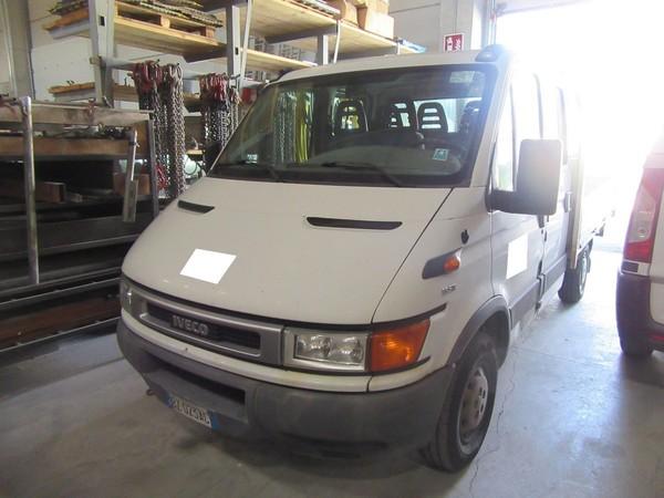 7#4752 Autocarro Iveco