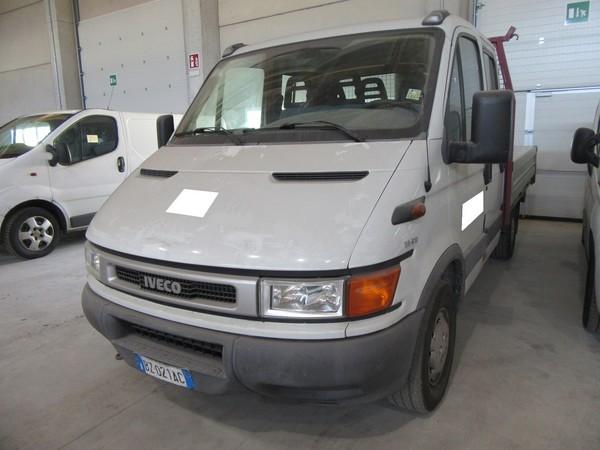 8#4752 Autocarro Iveco