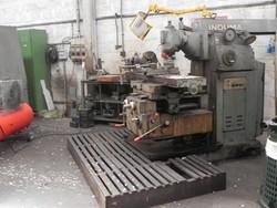 Induma vertical milling machine - Lote 42 (Subasta 4758)