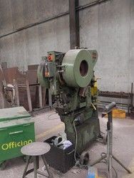 Omera punching machine - Lot 60 (Auction 4758)