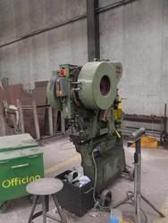 Omera punching machine - Lote 60 (Subasta 4758)