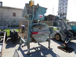 Altrad self loading concrete mixer - Lot 5 (Auction 4768)