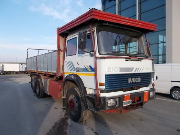 9#4771 Autocarro Iveco 190 38