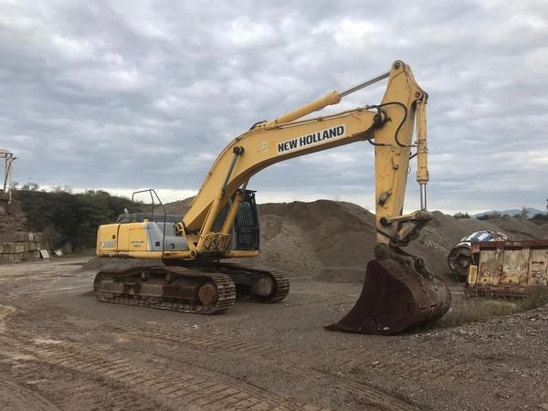 2#4781 Escavatore New Holland E 385