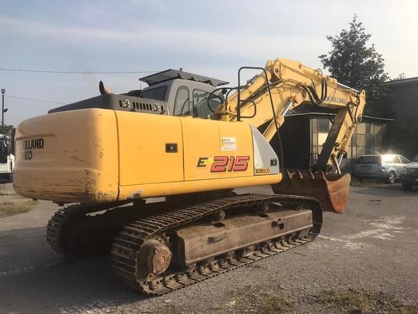 3#4781 Escavatore New Holland E 215 T
