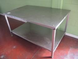 Table - Lot 47 (Auction 4790)