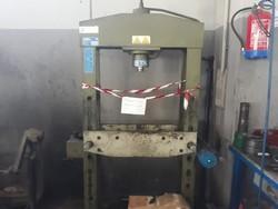 Pressa idraulica manuale Omcn - Lotto 19 (Asta 4797)