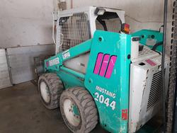 Mustang skid steer loader - Lot 2 (Auction 4803)