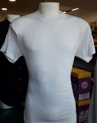 T shirts for men and women - Lot 17 (Auction 4812)