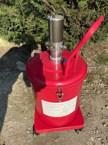 3#4815 Pompa per ingrassaggio