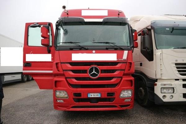 12#4847 Trattore per semirimorchio Daimler AG