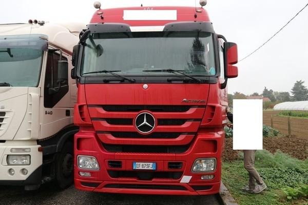 13#4847 Trattore per semirimorchio Daimler AG