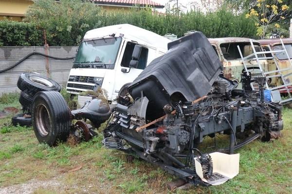 15#4847 Rottami motore e cabina DAF