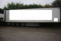 Unicar semitrailer with isothermal container - Lot 3 (Auction 4847)
