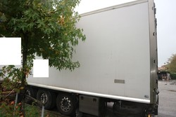 Unicar semitrailer with isothermal container - Lot 7 (Auction 4847)