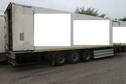 Unicar semitrailer with isothermal container - Lot 9 (Auction 4847)