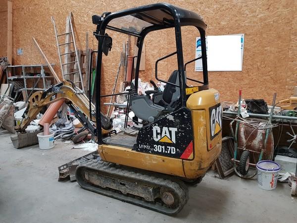 3#4853 Miniescavatore Cat cingolato