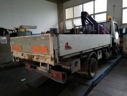 Tipper Nissan truck with crane - Lot 17 (Auction 4856)