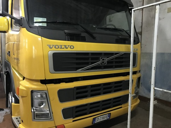 15#4865 Autocarro Volvo Truck FM9