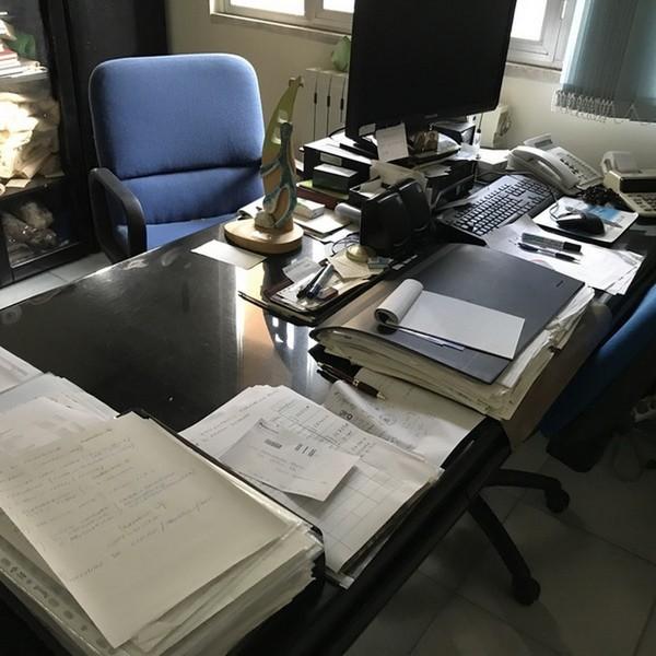 20#4865 Arredi ed attrezzature da ufficio