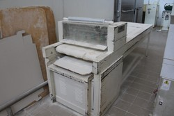 Machine for forming Rosetta bread - Lot 27 (Auction 4902)
