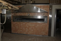 Masonry wood oven with burner and equipment - Lot 43 (Auction 4902)