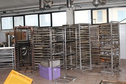 Suction hoods and baking tray trolleys - Lot 7 (Auction 4902)