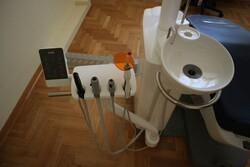 Carestream dental radiograph and dental office equipment - Lot 0 (Auction 4922)