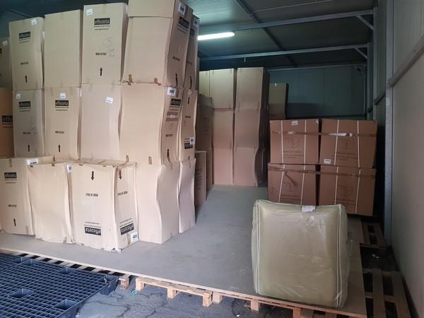 2#49444 Arredi per interni imballati