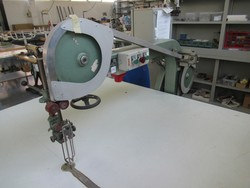 Sewing equipment - Lot 8 (Auction 4947)