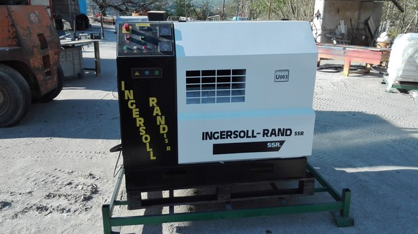 7#4961 Compressore a vite Ingersoll-Rand U003
