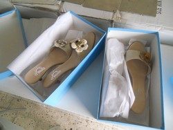Shoes and shelving - Lote 15 (Subasta 4962)