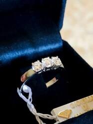 Fedina Trilogy ring in white gold - Lote 14 (Subasta 4970)