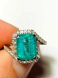 Anello smeraldo Igi Anversa e diamanti - Lotto 6 (Asta 4970)