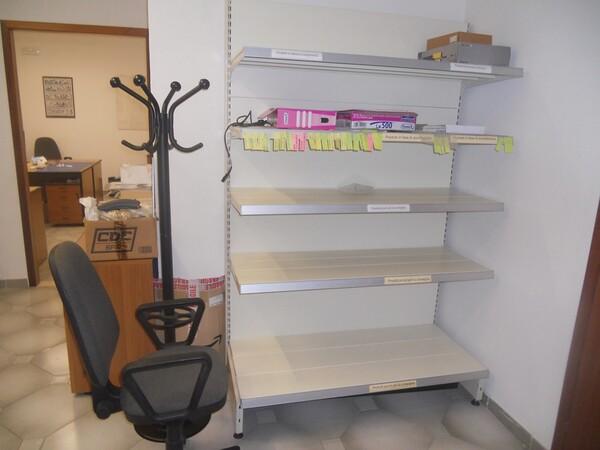 3#4977 Arredi e attrezzature per ufficio in vendita - foto 4