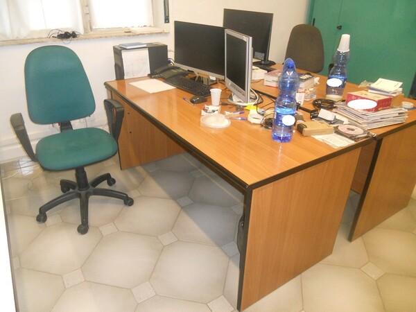 3#4977 Arredi e attrezzature per ufficio in vendita - foto 10