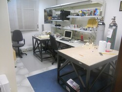 Laboratory furniture and equipment - Lot 5 (Auction 4977)