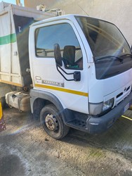 Nissan Cabstar truck with compactor - Lot 20 (Auction 4984)