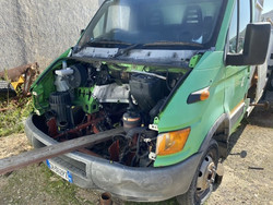 Spare parts of Iveco with tilting tank - Lote 31 (Subasta 4984)