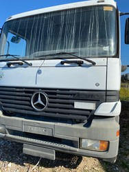 Mercedes three axle vehicle compactor - Lot 51 (Auction 4984)