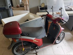 Piaggio Free moped and Mountain Bike - Lot 8 (Auction 4986)