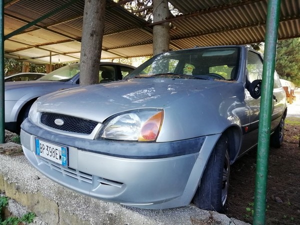 6#4987 Autovettura Ford Fiesta